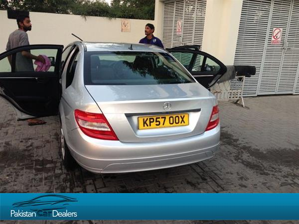 Used mercedes benz c class car for sale from private for Mercedes benz private sellers